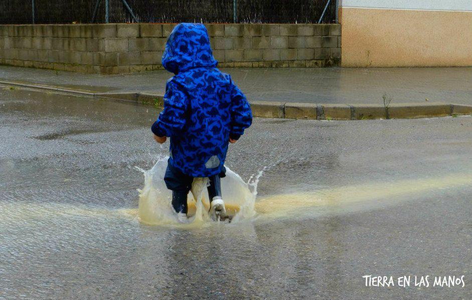 Jugar afuera cuando llueve o hace frío 1