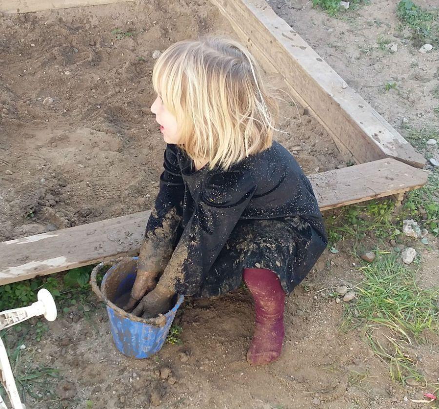 jugando con tierra