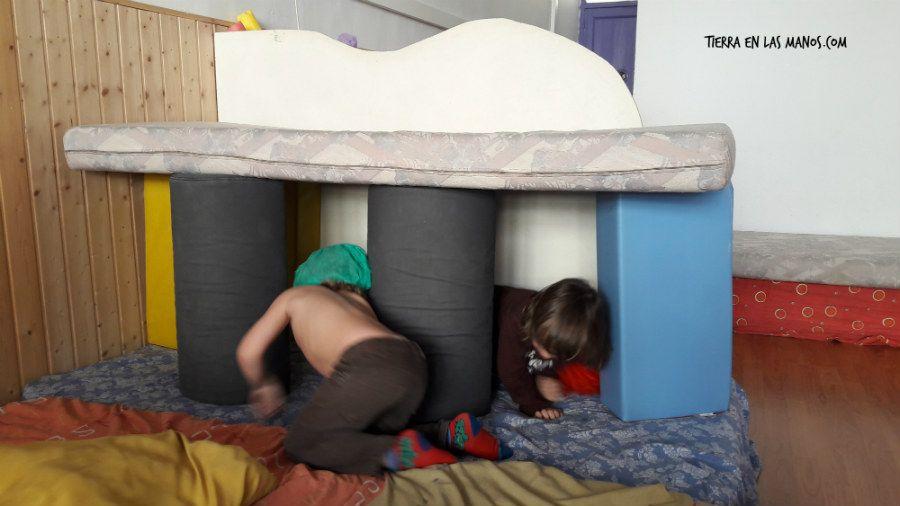 6 beneficios de jugar con grandes bloques de construcci n for Colchoncillos de espuma