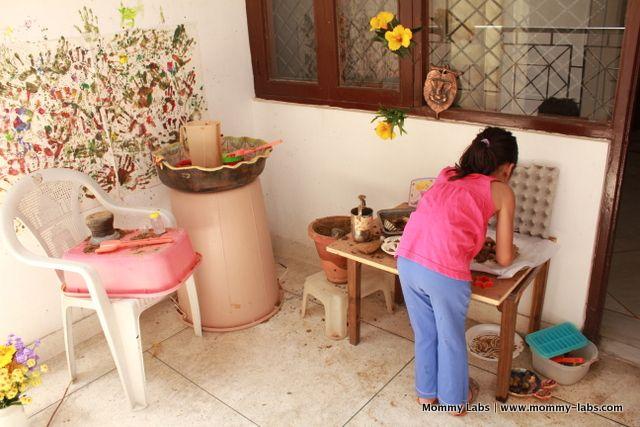 mud-pie-kitchen-on-the-balcony-india
